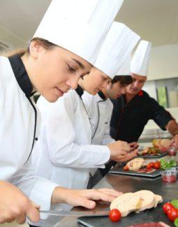 Şefimizin Sınavından Geçemeyen, İyi Aşçı Olamaz!
