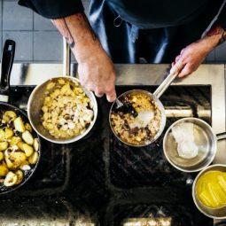 Mantarlı, Patatesli Tavuk Nasıl Yapılır?Mantarlı, Patatesli Tavuk Nasıl Yapılır?